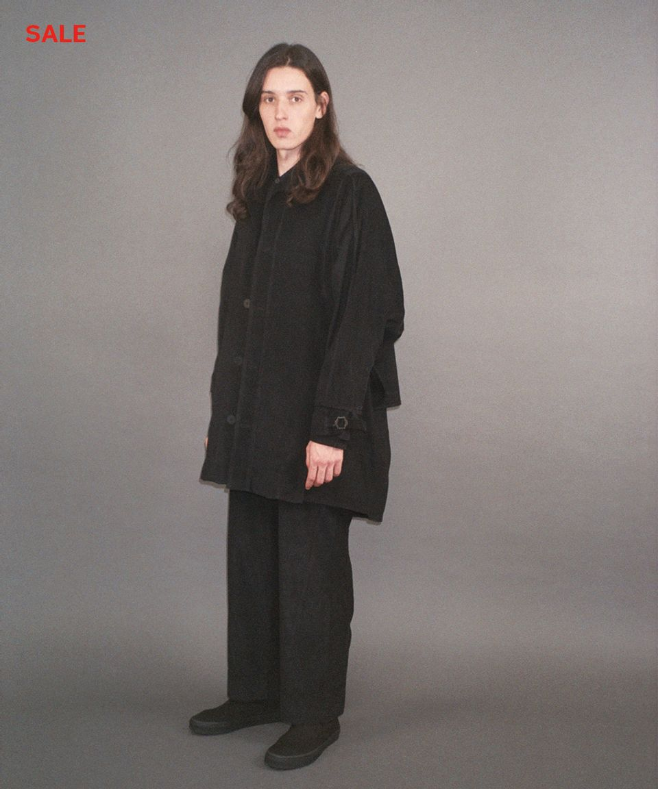mid-cape-coat-velvet-black-01-sale