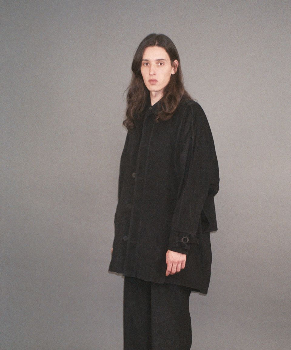 7--Mid-Cape-Coat-Veludo--1-c